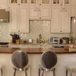 we heart these kitchen stools - Kitchen Cabinets New York City