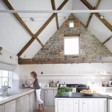 Farmhouse style with Soapstone countertops (Rustic)
